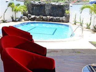 Meltonia Luxury Suites Nairobis - Baseinas