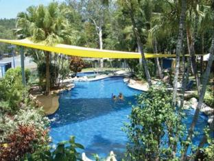 BIG4 Airlie Cove Resort and Caravan Park Whitsunday Islands - Swimming Pool