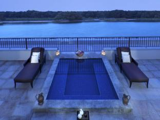 Anantara Eastern Mangroves Hotel & Spa Abu Dhabi - Plunge Pool with Mangroves view