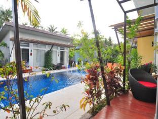 Phu NaNa Boutique Hotel Phuket - Balkoni/Teres