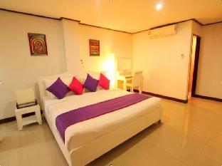 Baan Pa Ploy guestroom junior suite