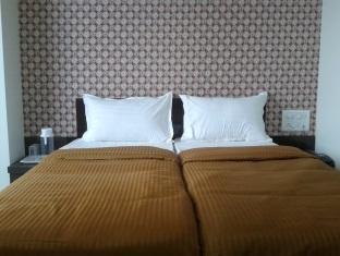 Hotel Skyway Inn Mumbai - Standard Room