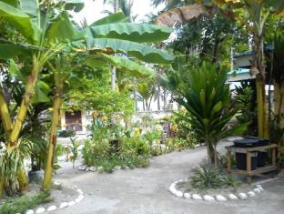 Sunday Flower Beach Hotel and Resort Cebu - Giardino
