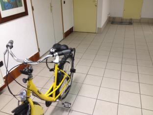 Privilodges Chateau Perrin Grenoble - Bike space