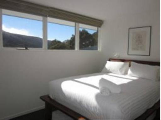 Sitzmark 5 Deluxe Holiday Apartments hotel accepts paypal in Thredbo Village