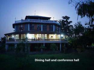Baghmara Wildlife Resort Chitwan National Park - dining hall