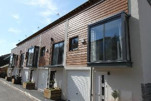 Brand NEW 3 Bed Townhouse- Close to Temple Meads