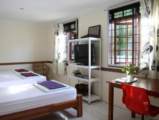 Morning Glory Guest House Kuching - Deluxe Triple