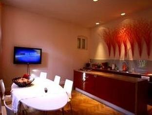 Erzsebet Royal Suite Budapest - Kitchen