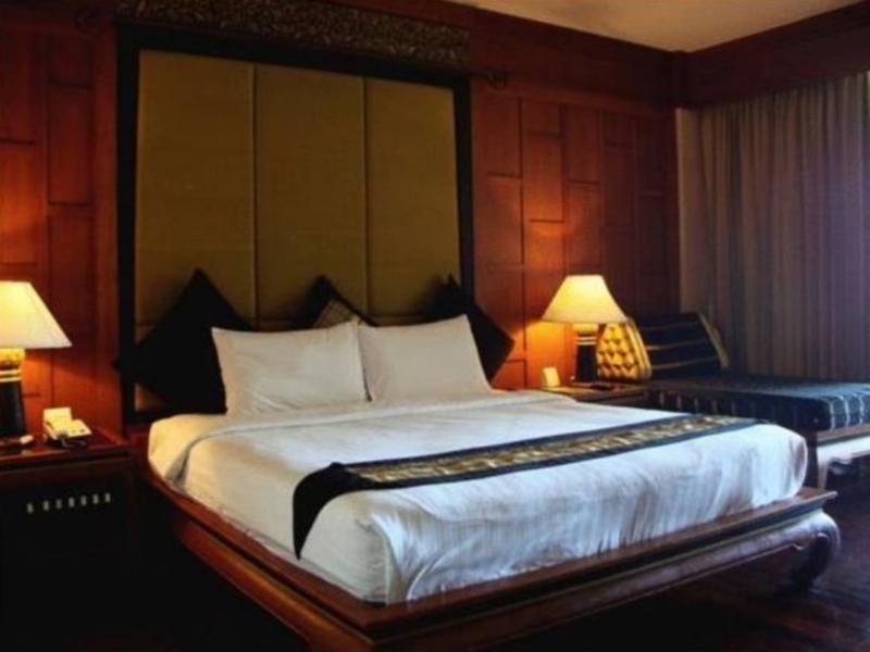 โรงแรมพาวิลเลี่ยน ควีนส์ เบย์