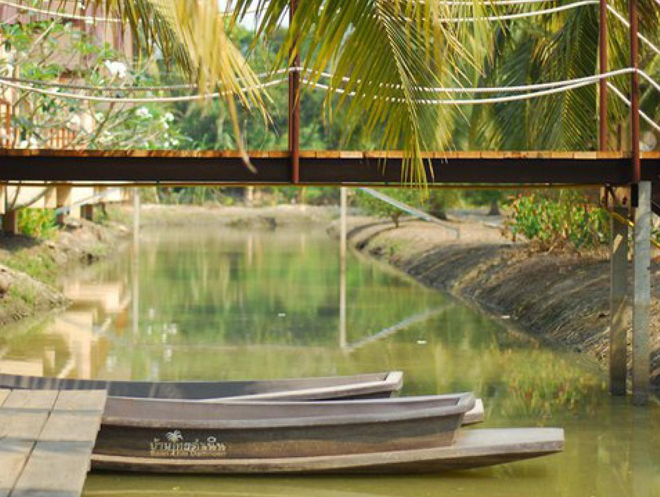 บ้านไทยดำเนิน คาแนล เฮาส์ รีสอร์ท