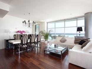 Rent Top Apartments Exclusive Pool Beach With Sea Views II Barcelona - Guest Room