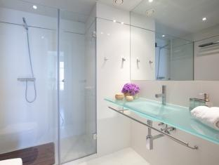 Rent Top Apartments Exclusive Pool Beach With Sea Views II Barcelona - Bathroom