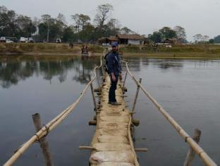 Chitwan Adventure Resort Chitwan - Wooden Bridge