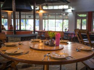Chitwan Adventure Resort Chitwan National Park - Restaurante