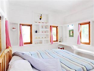 Scenic Riverside Resort guestroom junior suite