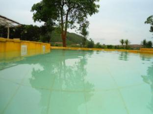 ฮิลล์ บีช รีสอร์ท ปราณบุรี หัวหิน/ชะอำ - สระว่ายน้ำ