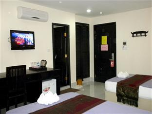 Singapore Hotel Phnom Penh - Deluxe Twin Bedroom with AC
