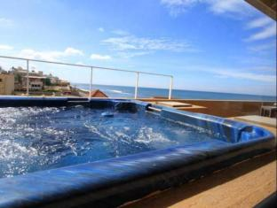 The Ocean Front Hotel Colombo - Hot Tub at the Hotel