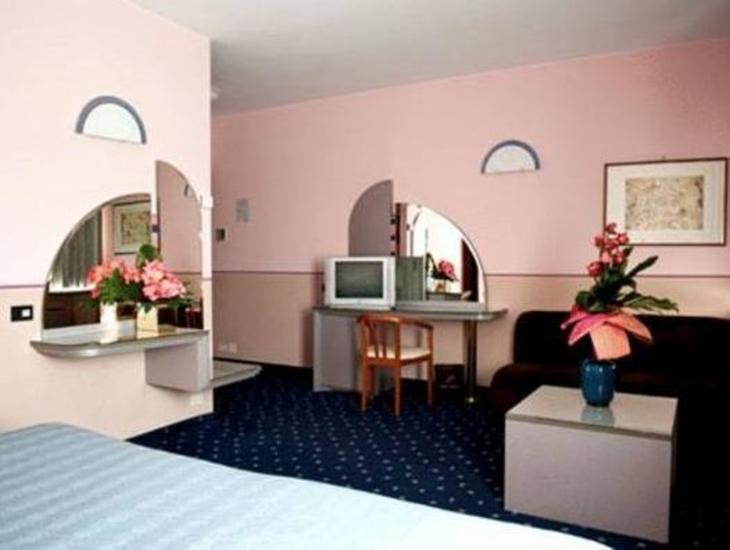 Hotel Albatros photo 2