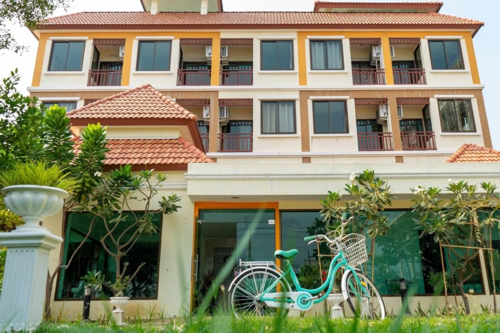 Sasi Nonthaburi hotel and apartment