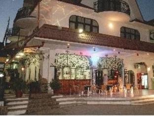 Breez Hotel