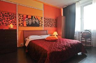 2-bedroom apt, Novyy Arbat 16 (041)