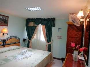 Idea Pension House Bohol - Deluxe Room