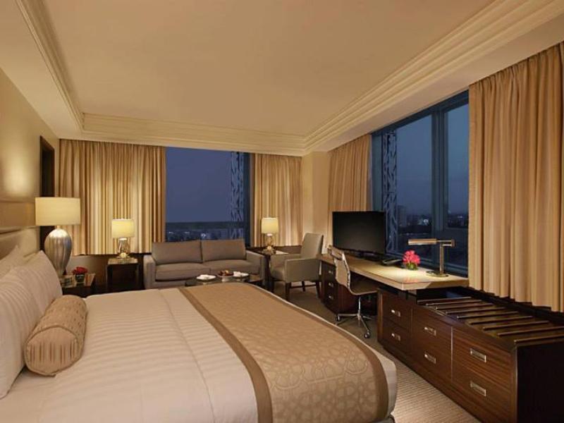 クリムゾン ホテル フィリンベスト シティ マニラ (Crimson Hotel Filinvest City Manila)