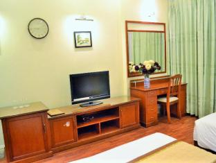 H81 Hotel Halong - Triple - 1 Double Bed  1 Single Bed