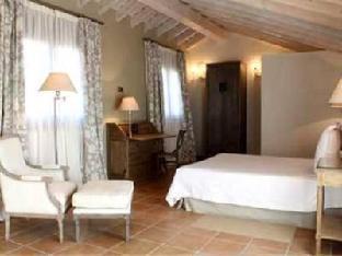 Best PayPal Hotel in ➦ Navafria: