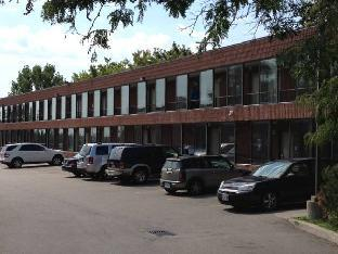 Mississauga Gate Inn