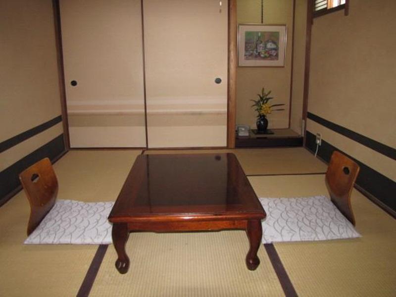 旅館中島家 (Ryokan Nakajimaya)
