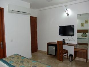 Skylink Suites Bed & Breakfast New Delhi and NCR - Room Interior