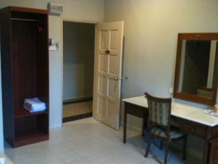 Amara Guest House Langkawi Langkawi - Deluxe Twin (1 King Bed & 1 Single Bed)