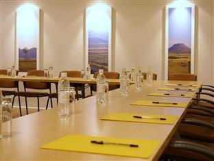 Four Palms Accommodation & Conferencing Cape Town - Conference Room