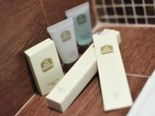 Best Western Grand Hotel Hong Kong - Bathroom Amenities