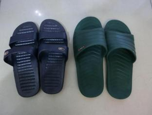 Hung Fai Guest House Hong Kong - Slippers provided