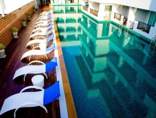 Casa Del M Resort Phuket - Swimming Pool