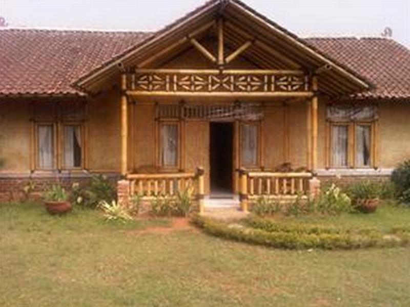 The Radiant Villas Bamboo Puncak