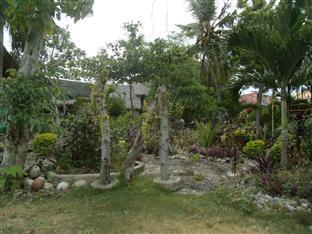 Mayas Native Garden Resort Cebu - Garten