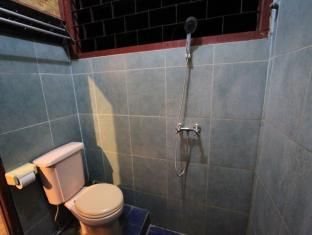 Hotel Bumi Aditya Lombok - Standard Fan Hot & Cold Shower