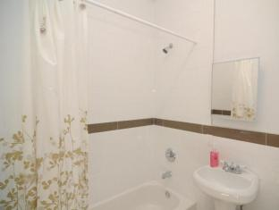 Fifth Avenue Deluxe Apartment New York (NY) - Bathroom