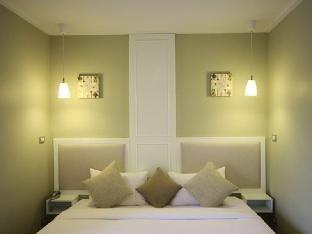 Hotel Alley Hua Hin guestroom junior suite
