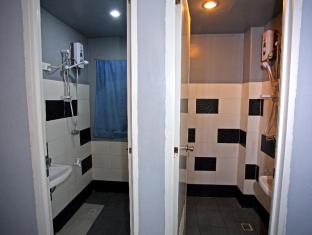 Chill Out Guesthouse Manila Manila - Bathroom