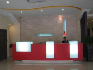 360 Xpress Citycenter Budget Boutique Hotel Kuching - Recepció