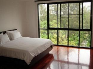 Tonson Residence guestroom junior suite