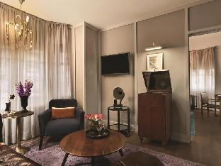 room of The Evelyn Hotel