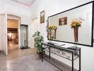 Like Home - Opera Apartments Boedapest