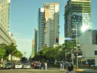 The Fort Budget Hotel - Bonifacio Global City Manila - Famous Business District - Walking Distance